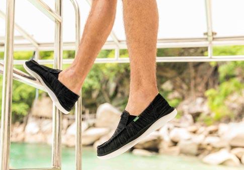 Sanuk Mens Vagabond Tripper Slip-On Loafer