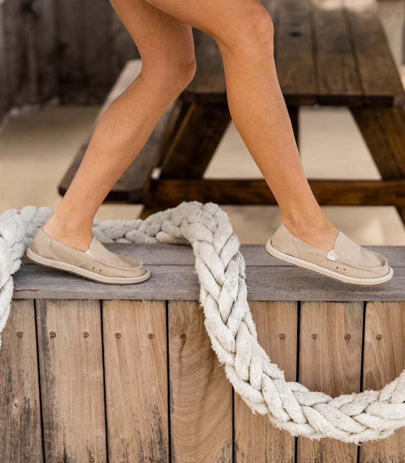 Women's shoes with recycled materials, and a rope